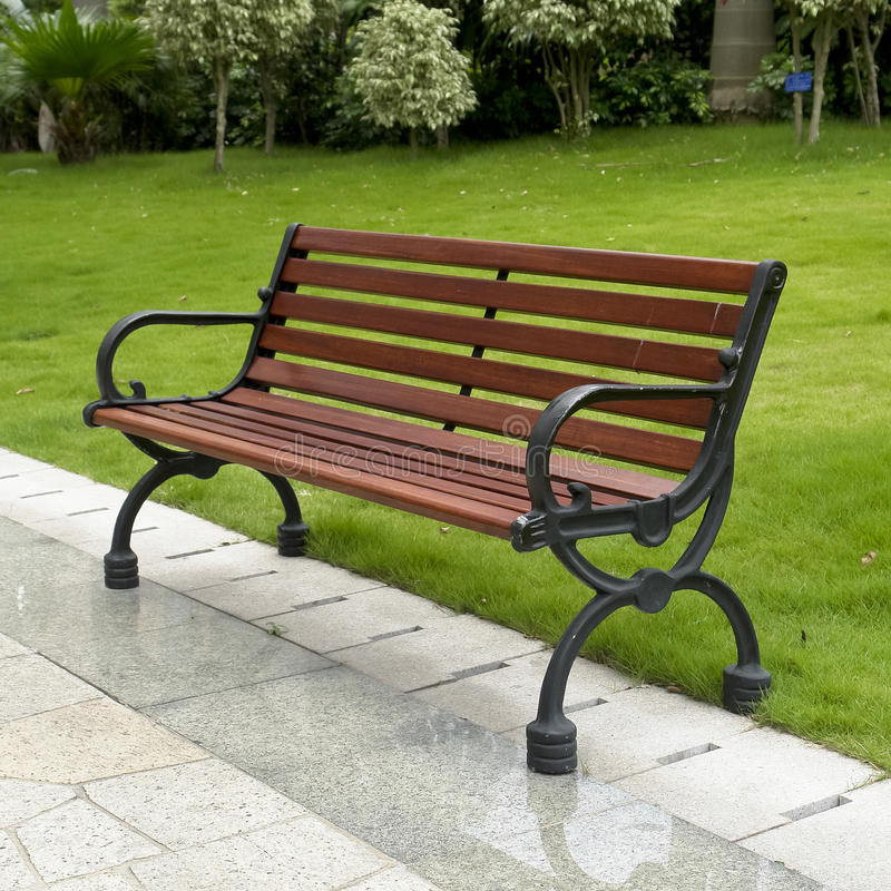 Download Bench In Garden Royalty Free Stock Photos - Image: 19188438