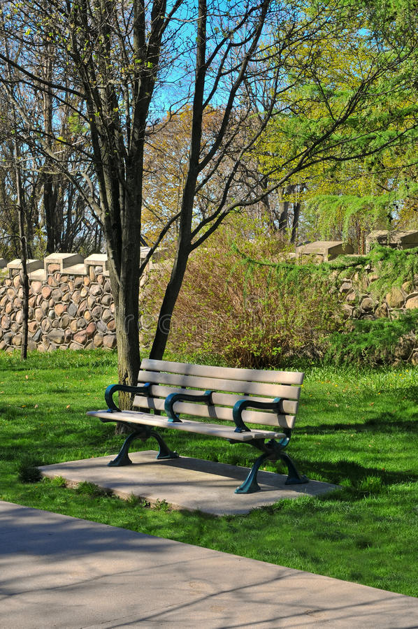 Download Bench In The Park Royalty Free Stock Image - Image: 34970256