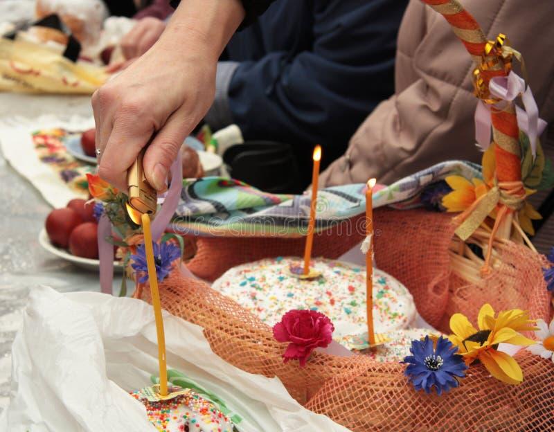 Bendición del alimento de Pascua imagenes de archivo