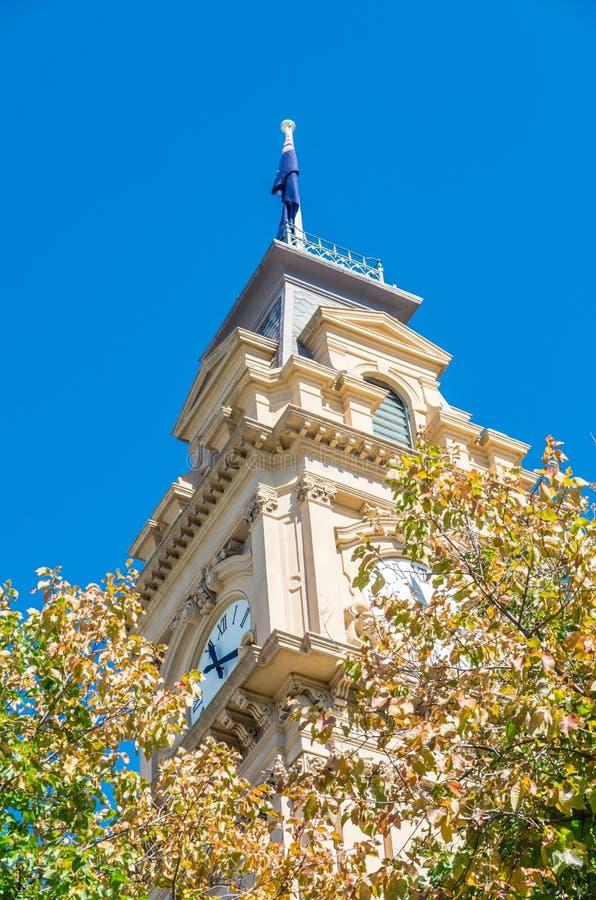Bendigo stadshus med klockatornet i Australien fotografering för bildbyråer