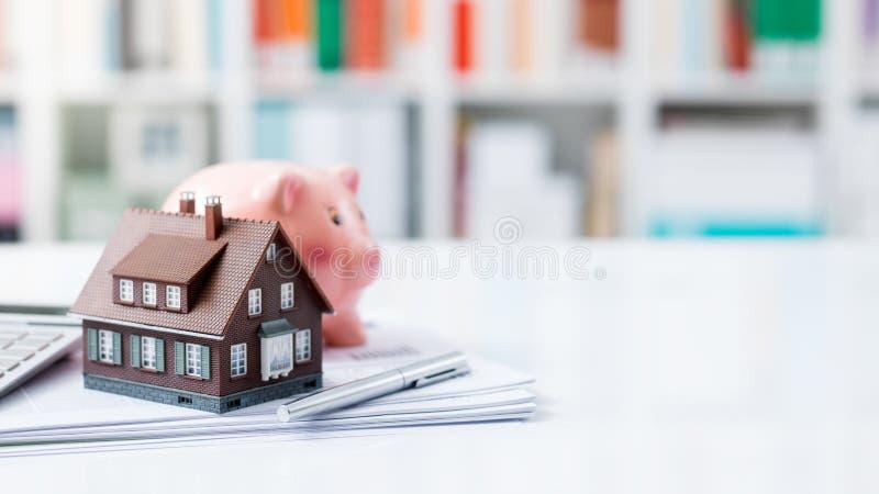 Bene immobile, prestito immobiliare ed ipoteche immagine stock