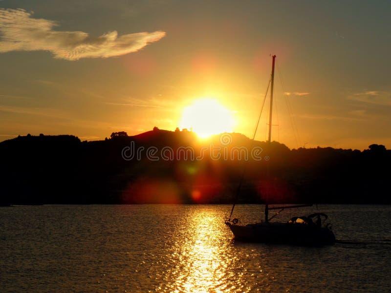 Download 圣Benedetto del Tronto 库存图片. 图片 包括有 视图, 本质, 天空, 日落, 小船 - 103628797