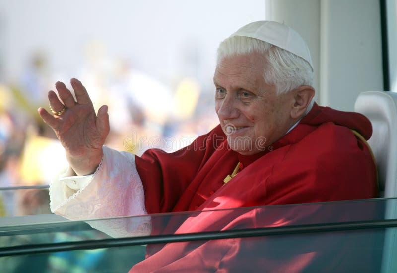 Benedict XVI binnen   stock foto's