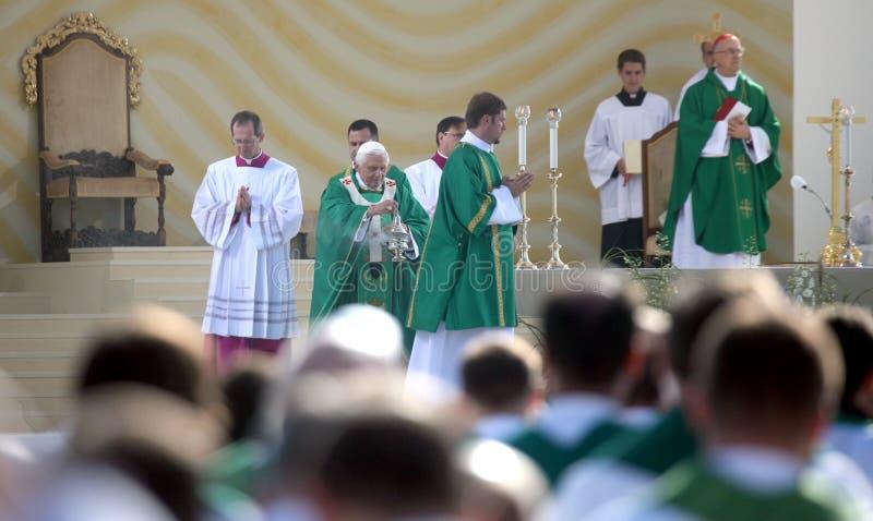 Benedict XVI viert een massa royalty-vrije stock foto's