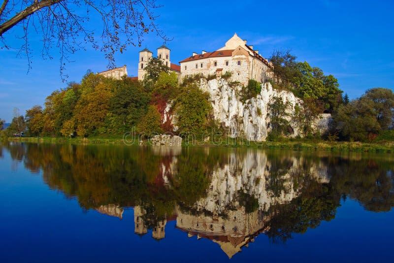BenedictineAbbey i Tyniec nära Cracow, Polen fotografering för bildbyråer