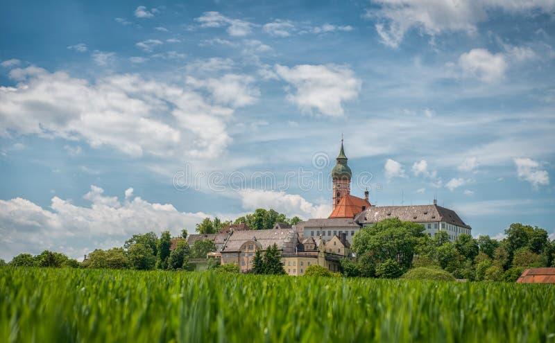 Benediktinerabtei von Andechs - Panorama stockfoto