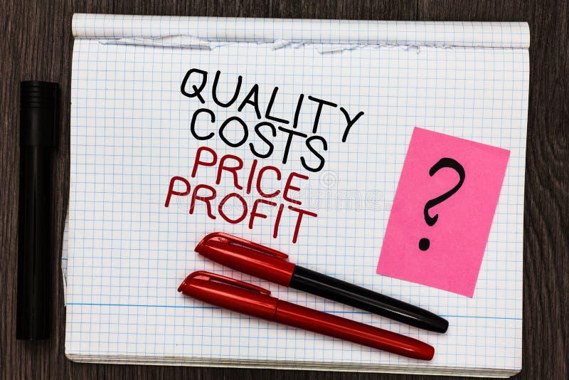Beneficio del precio de costos de calidad del texto de la escritura de la palabra El concepto del negocio para el equilibrio entr fotografía de archivo libre de regalías
