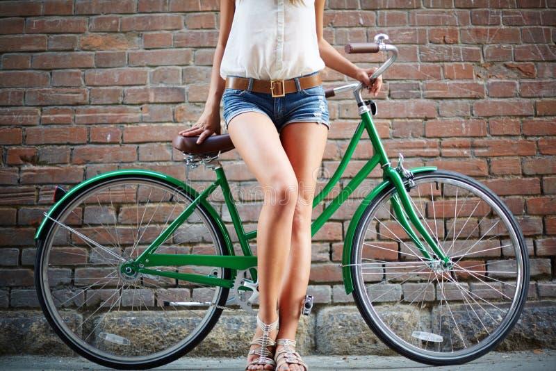 Benen van fietser stock afbeeldingen