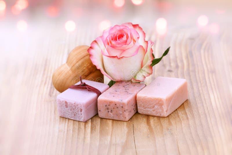 Benessere con i saponi dell'aroma fotografie stock libere da diritti