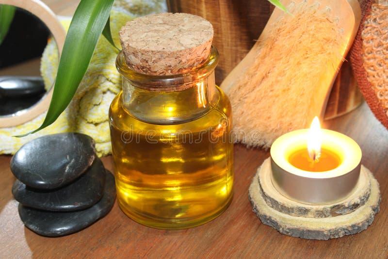 Download Benessere nel bagno immagine stock. Immagine di massaggio - 56876345