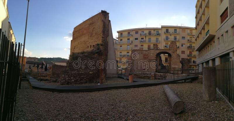 Benevento - Überblick über den archäologischen Bereich lizenzfreie stockbilder