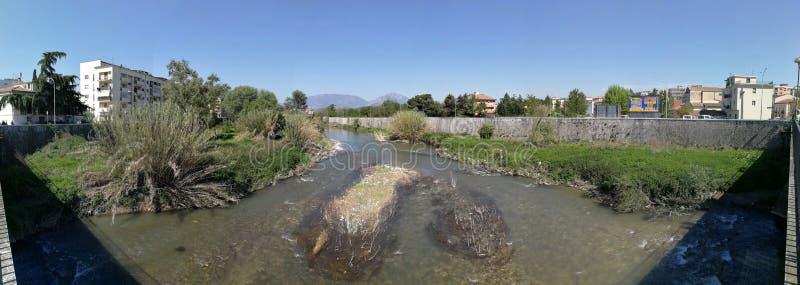 Benevento - Überblick über den Fluss Samstag lizenzfreie stockfotos