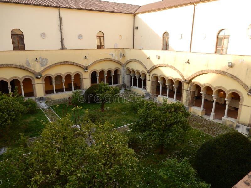 Benevento - Klooster van Santa Sofia royalty-vrije stock afbeeldingen