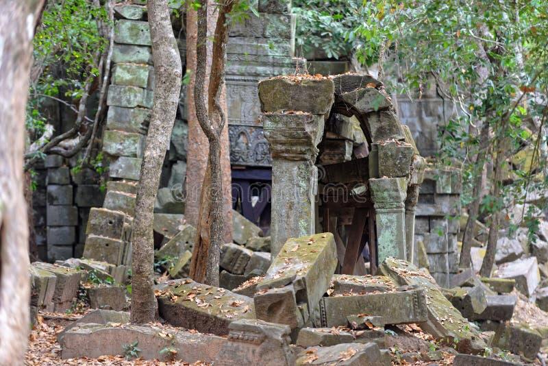 Beng Mealea fördärvar, Cambodja arkivfoton
