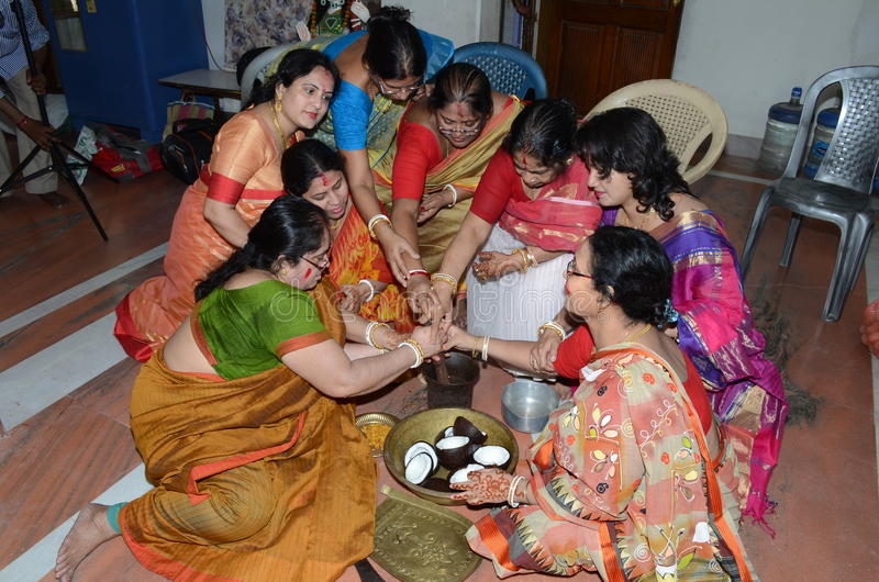 wife-stories-bengali-people-gay