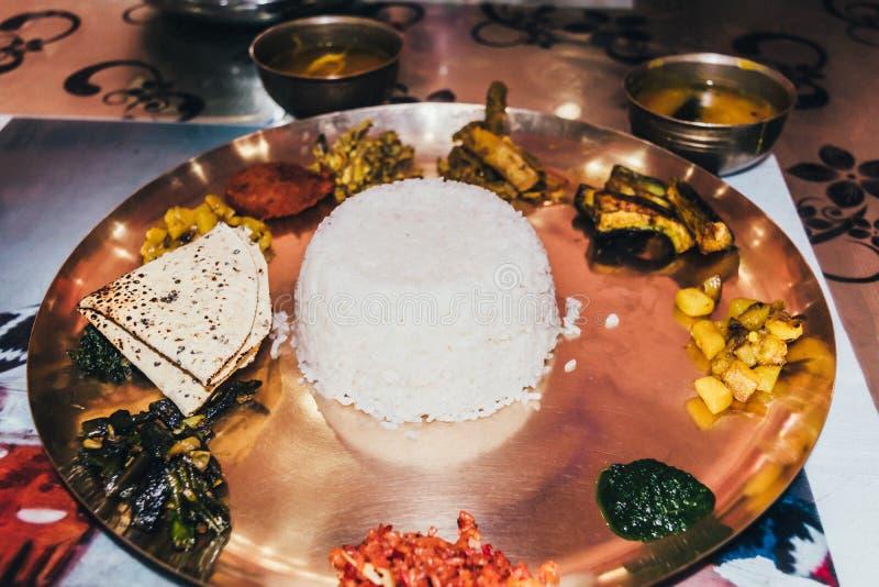 Bengali vegetariska traditionella Thali Slapp fokus royaltyfria foton