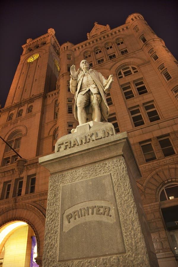 Download Beniaminu Budynku Franklin Biurowa Stara Poczta Statua Obraz Stock - Obraz: 9505865