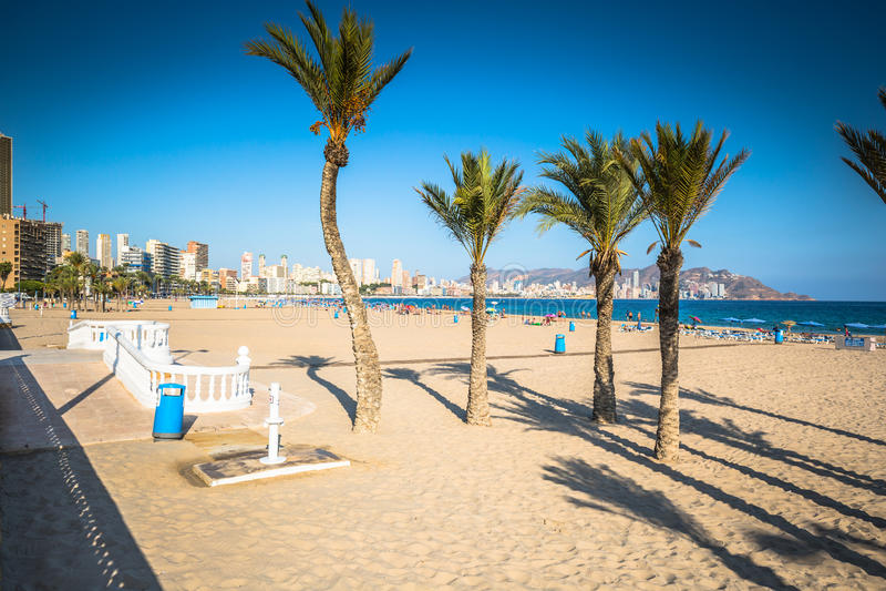 Benidorm Poniente plaża w Alicante Śródziemnomorskim Hiszpania zdjęcie stock