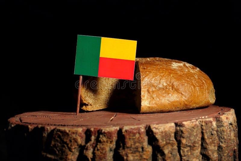 Download Benin-Flagge Auf Einem Stumpf Mit Brot Stockbild - Bild von nave, getrennt: 96934927