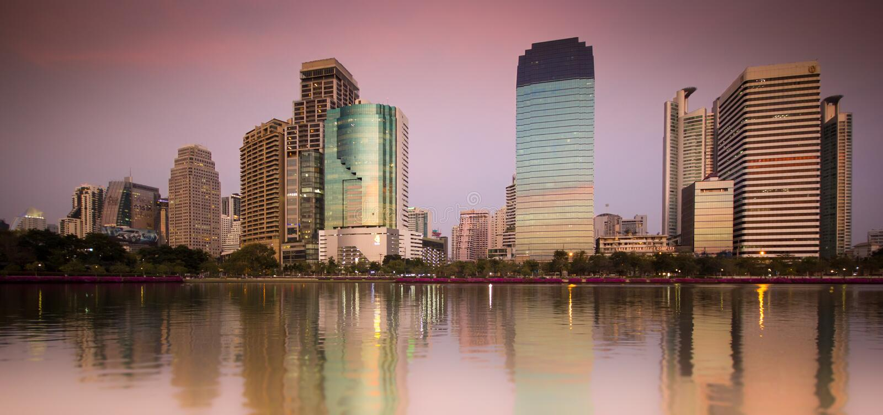 Benjakiti parka zmierzch - Bangkok fotografia royalty free