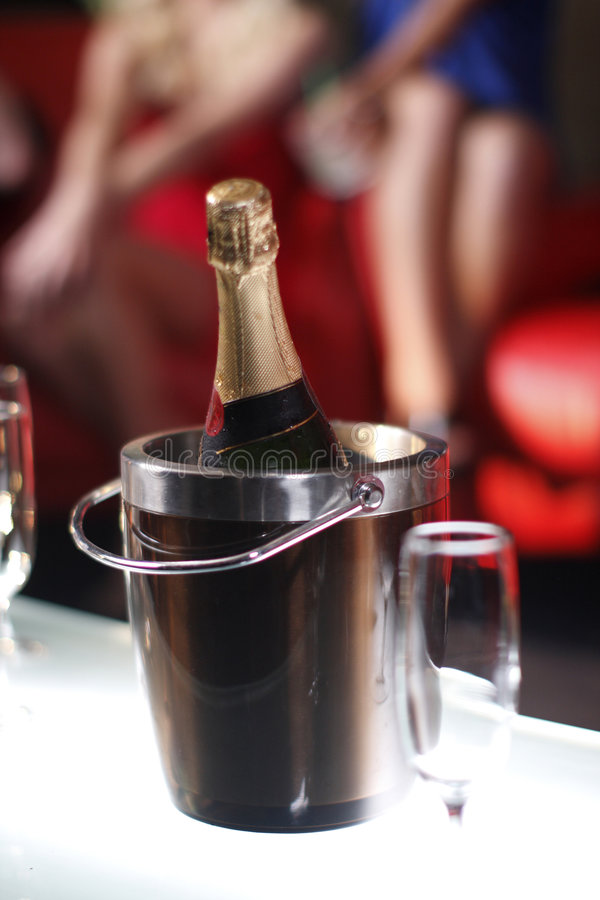 Benna di champagne fotografie stock libere da diritti