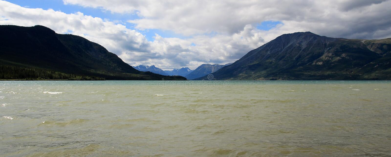 Bennett Lake, Carcross, Yukon, Canadá imagem de stock