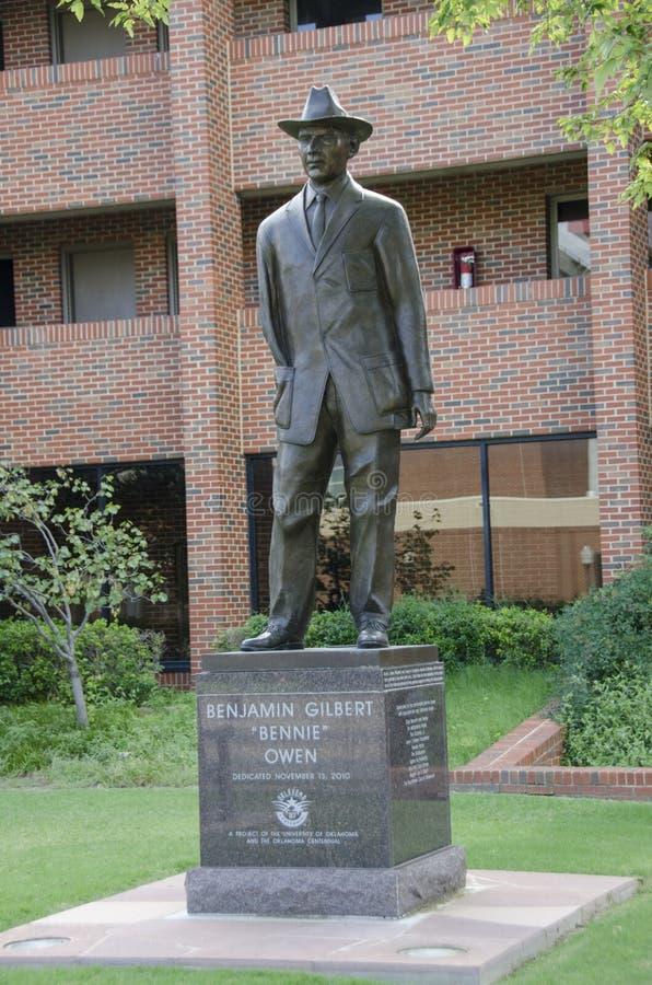 Bennie Owen Statue immagine stock