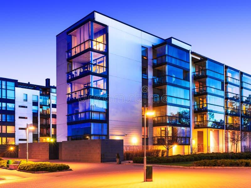 Bens imobiliários modernos fotos de stock