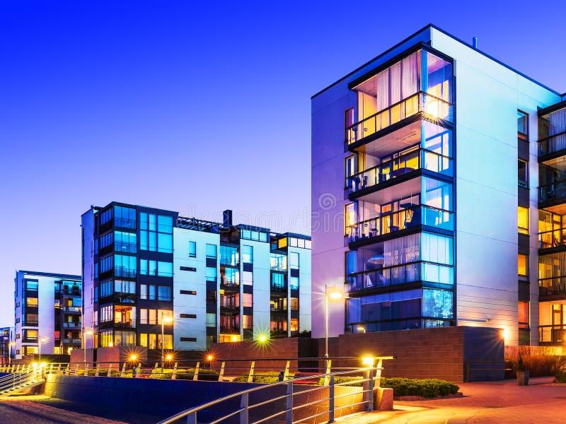 Bens imobiliários modernos imagem de stock