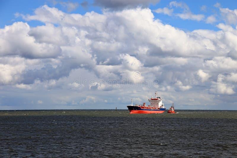 Bens perigosos do petroleiro fotos de stock royalty free