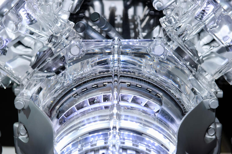 Bensin tankade bilmotorn royaltyfri fotografi