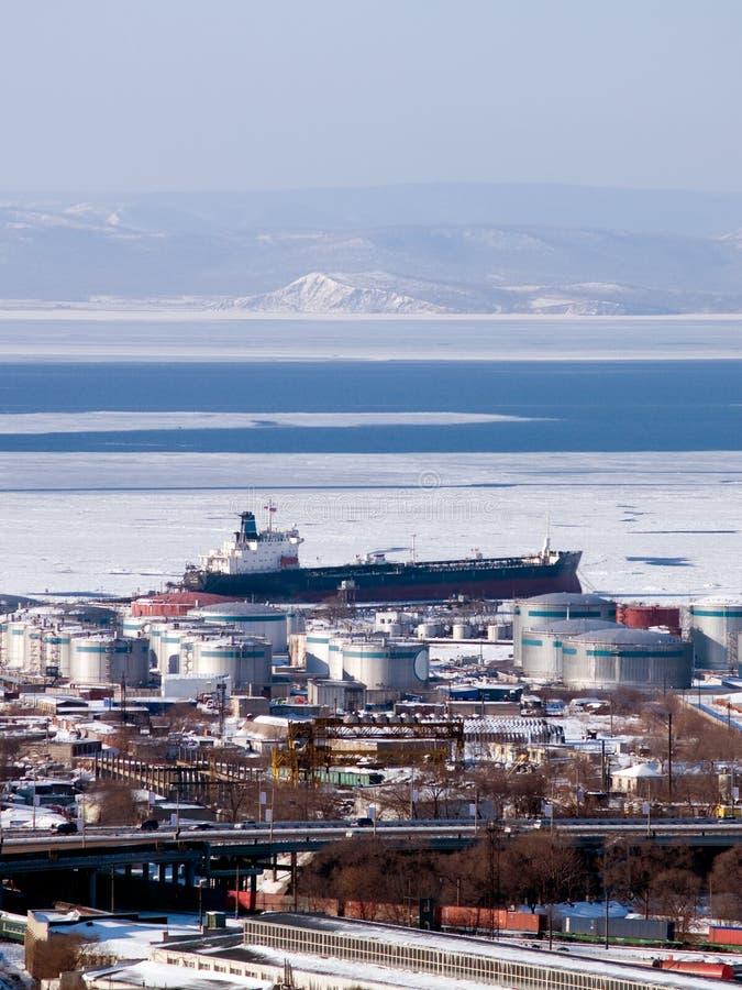 bensinoljor port rysstankfartyget arkivbild