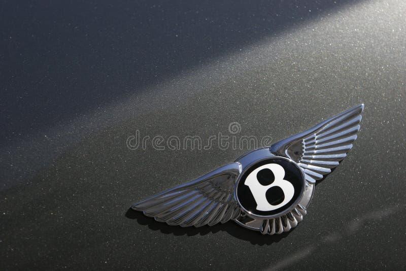 Bentley开汽车在绿色跑车的徽标 免版税库存图片