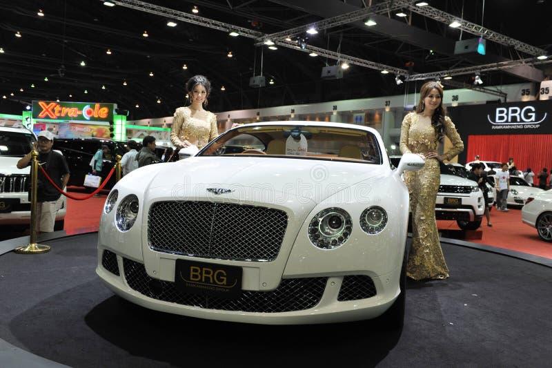 Bentley GT ηπειρωτικό στην παρουσίαση σε μια επίδειξη μηχανών στοκ εικόνες με δικαίωμα ελεύθερης χρήσης