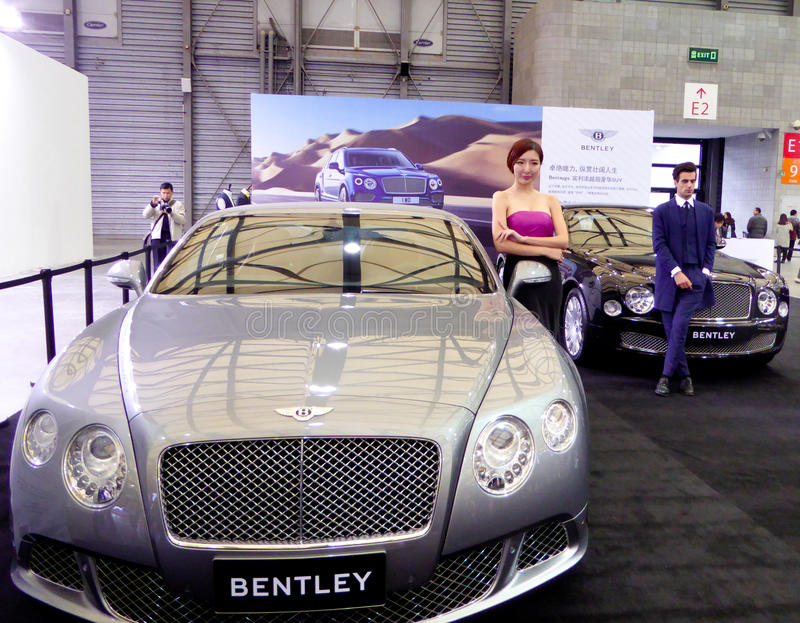 Bentley samochody przy auto przedstawieniem obraz stock