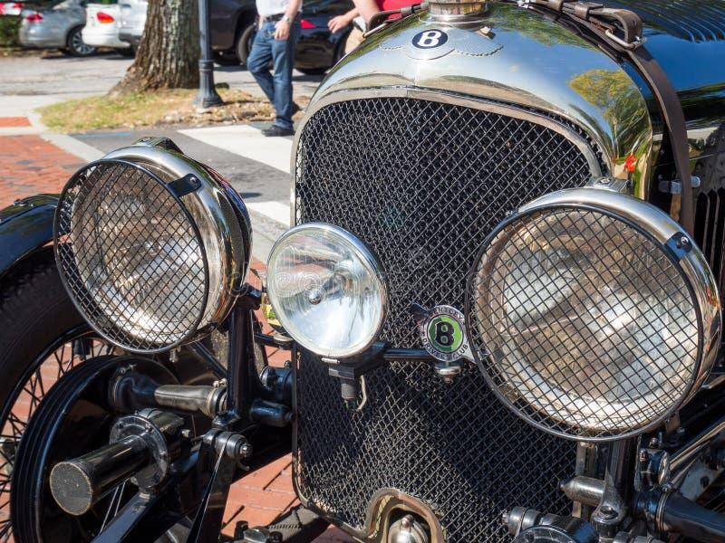 1928 Bentley, voorgrill en hoofdlichten royalty-vrije stock fotografie