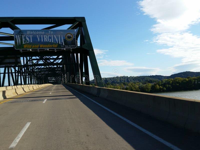 Benvenuto al segno della Virginia dell'Ovest fotografie stock libere da diritti