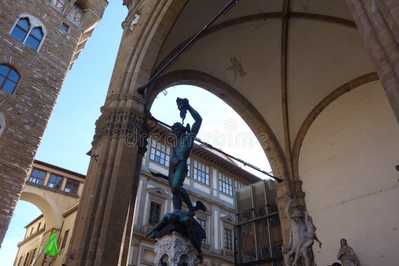 Benvenuto Cellini ` s Perseus med huvudet av medusaen arkivfoton