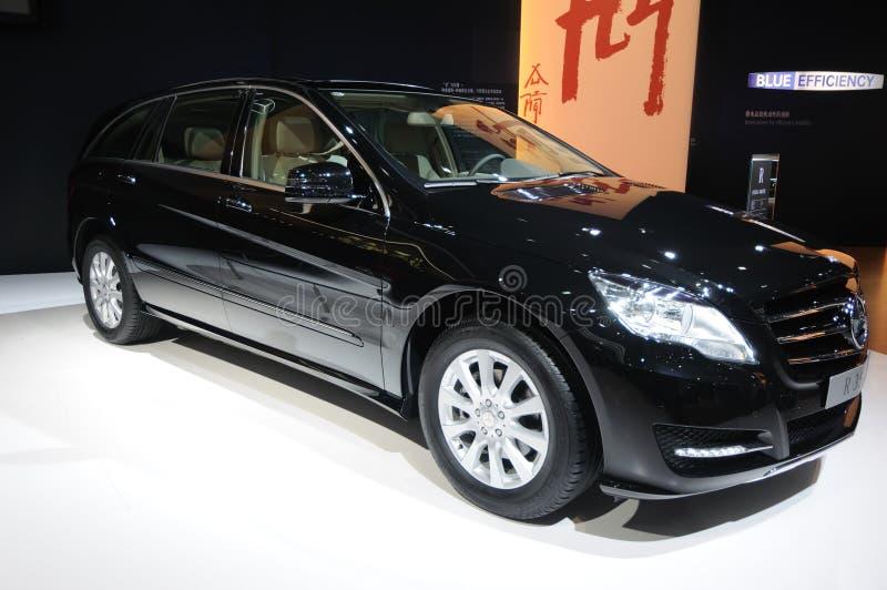 Benz noir r 350 l suv de Mercedes image libre de droits