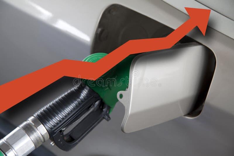 Benzinepomp met rode pijl royalty-vrije stock fotografie