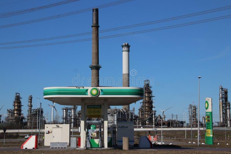 Benzinepost voor de installatie van Raffinaderij i van BP Rotterdam royalty-vrije stock afbeelding
