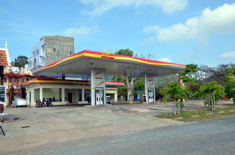 Download Benzynowa stacja Sokimex obraz editorial. Obraz złożonej z niebo - 106901575
