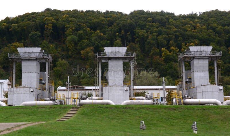 Benzynowy magazyn i rurociąg w Ihtiman, Bułgaria ot Oct 13, 2015 obrazy royalty free