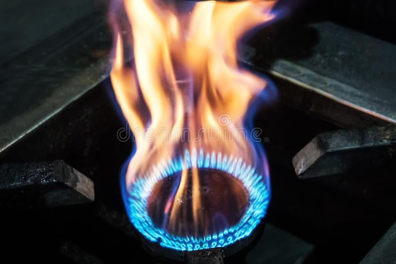 Benzynowy palenie w palniku benzynowy piekarnik zdjęcia stock