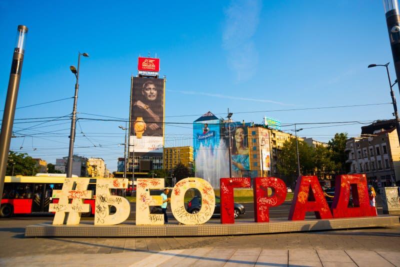 BEOGRAD, SERBIA: L'iscrizione in caratteri giganti del nome della città fotografia stock libera da diritti