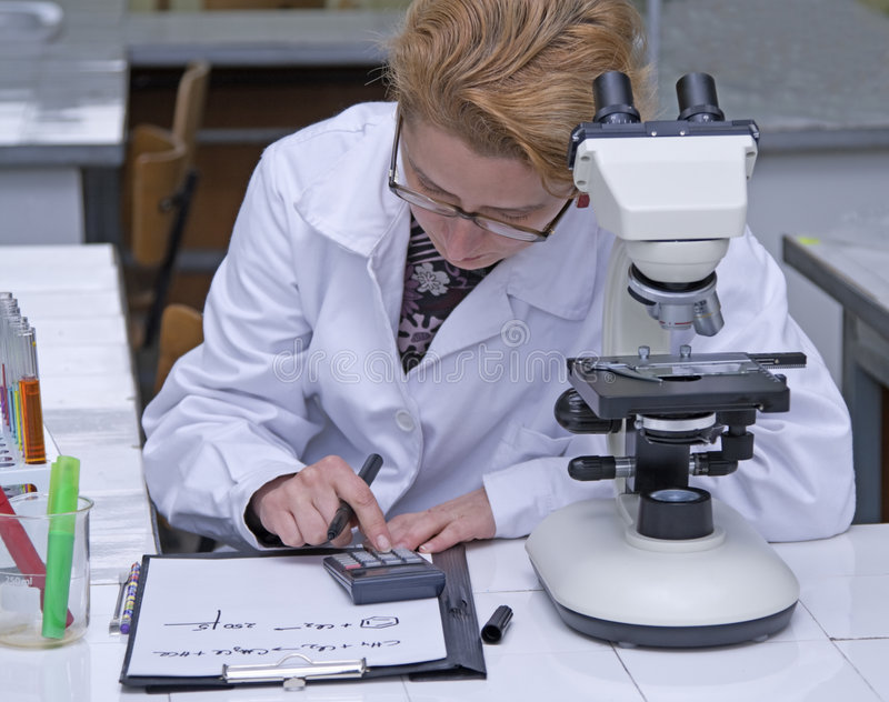 beräknande forskare arkivbilder