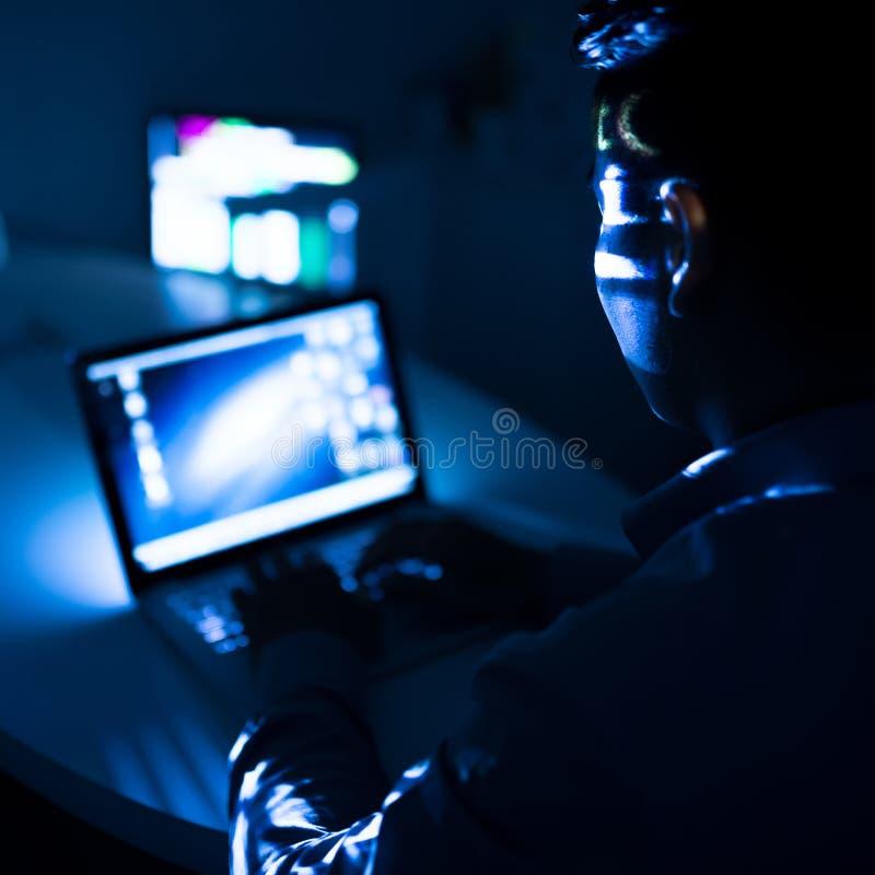 Beräkning på natten arkivbilder