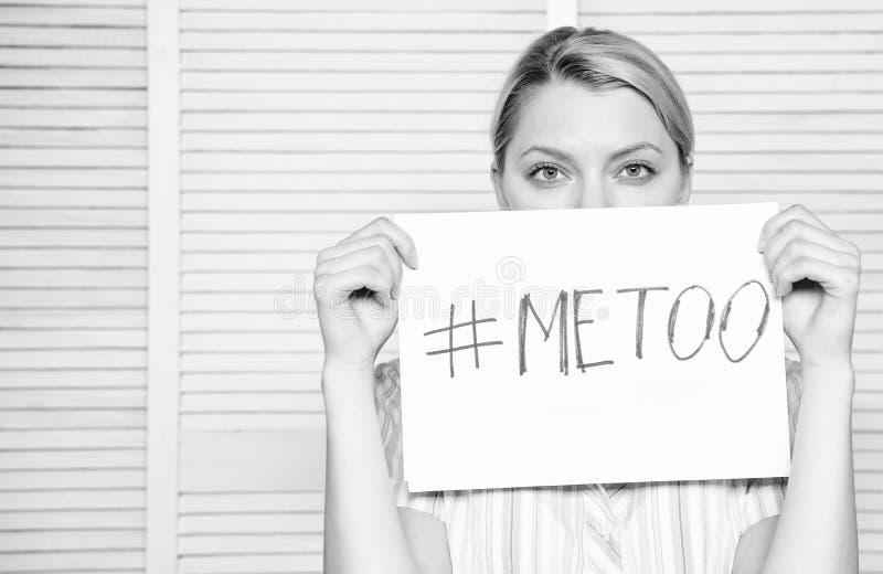 Berättelse för arbetaraktieanfall Mig för social rörelse Diskrimineringklagomål Kvinnlig anfallstatistik Kvinnastillhetframsida arkivfoton