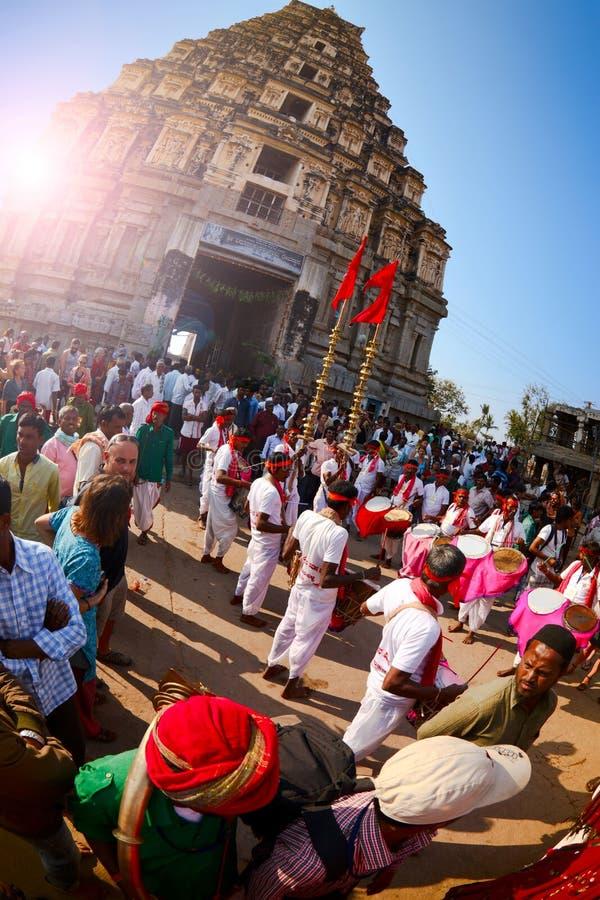 Beröm av den årliga festivalen Hampi Utsava royaltyfria bilder