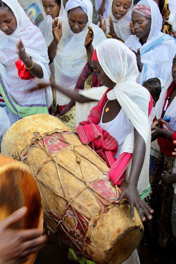 Beröm i ortodox ethiopian kristen kyrka arkivbild